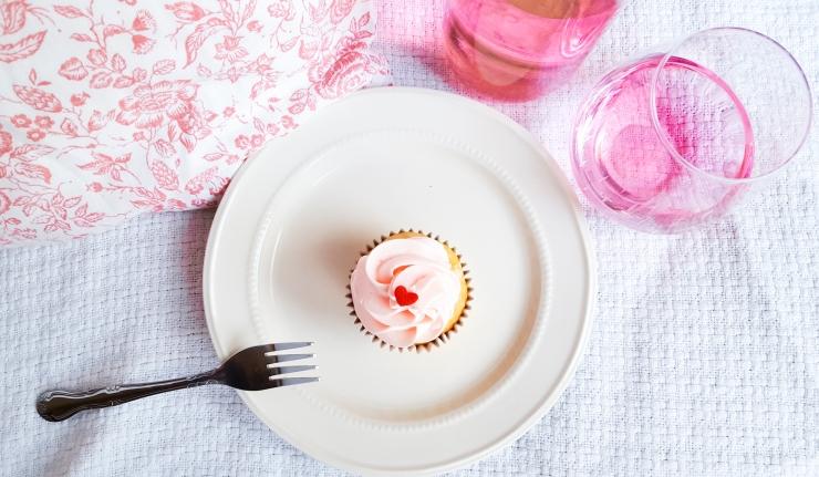 vanilla cupcakes 3.jpg