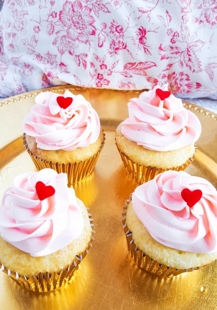vanilla cupcakes 8.jpg