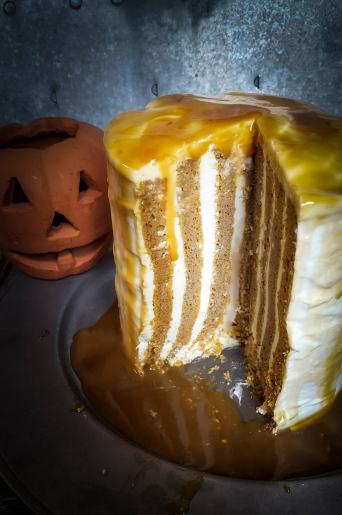 #faustbakes #halloween #pumpkin #cake