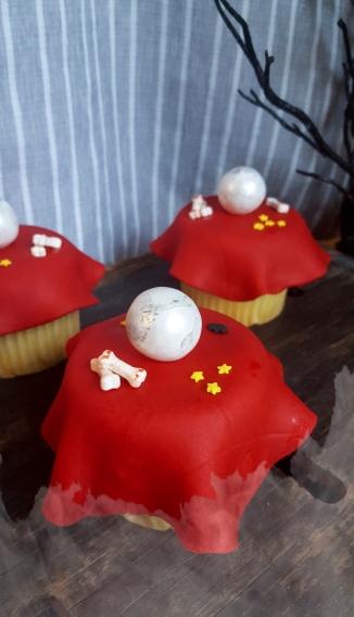 Halloween Cupcakes to look like crystal balls