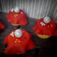 Crystal Ball Halloween Cupcakes